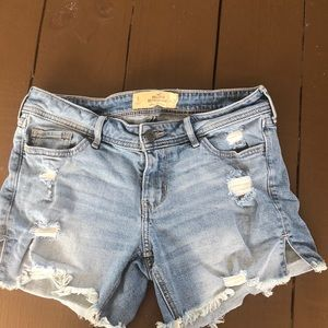 Hollister boyfriend ripped jean shorts